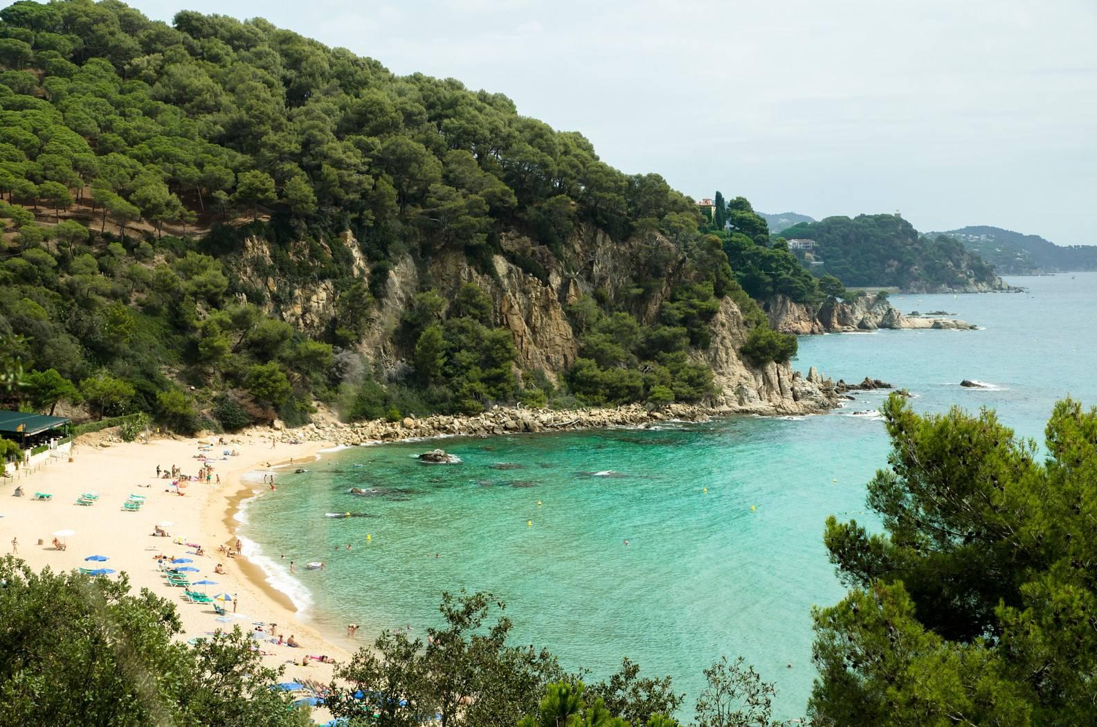 Пляж санта кристина в ллорет де мар фото